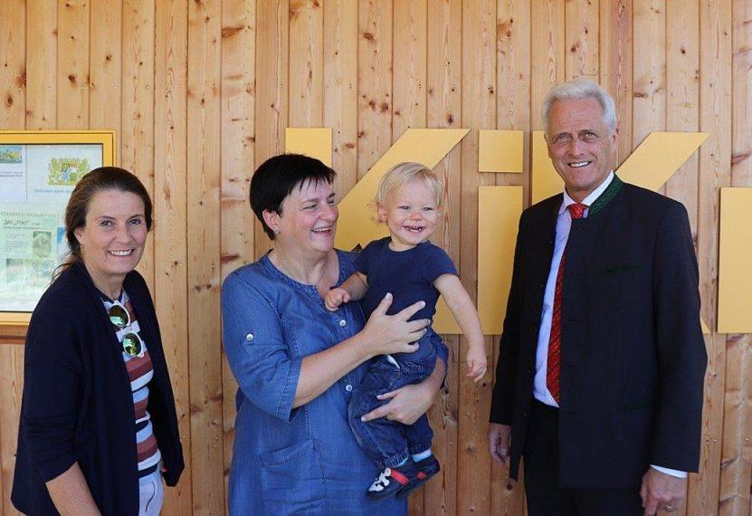Dr. Peter Ramsauer besuchte das Mütterzentrum Traunstein