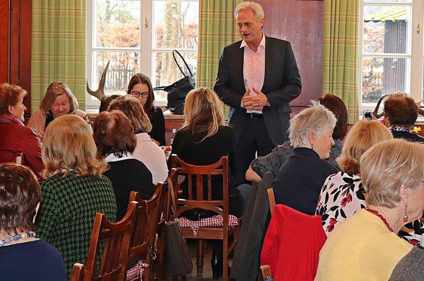 Viel Interesse an regionalen und bundespolitischen Themen beim Frauenfrühstück