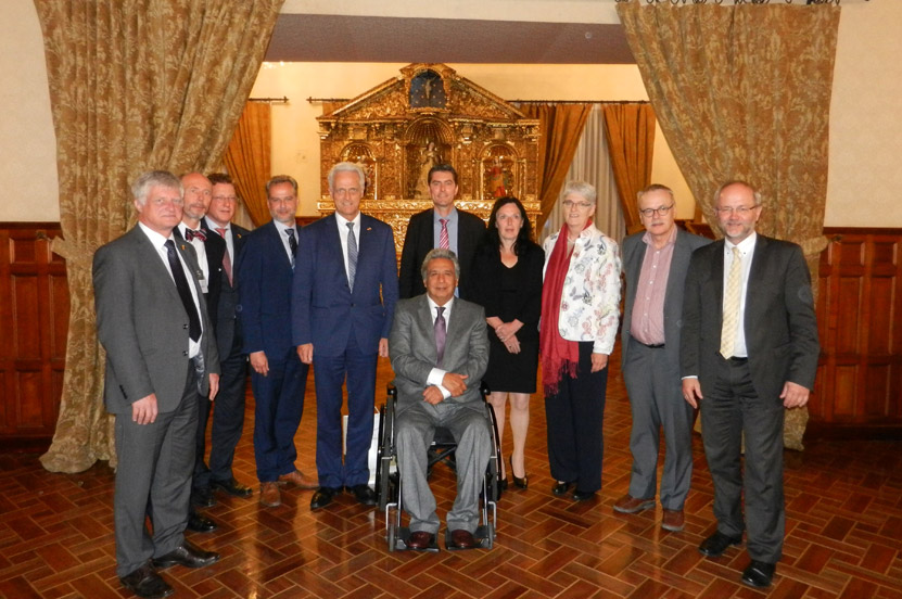 Peter Ramsauer mit dem Ausschuss für wirtschaftliche Zusammenarbeit und Entwicklung in Peru und Ecuador
